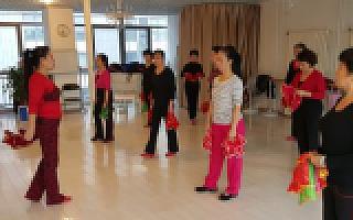 中国广场舞生意调查: 1亿大妈,万亿级市场