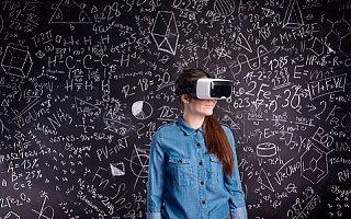"""被捧上天的""""VR+教育"""",还少一种催化剂"""