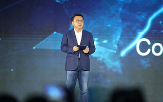 张亚勤:拓展AI边界 让百度探索更广阔的未来