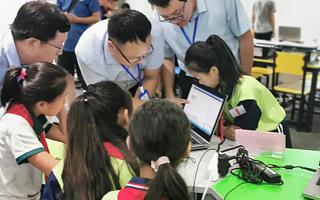 人工智能课走入济南天桥,机器人大战点燃科技课堂