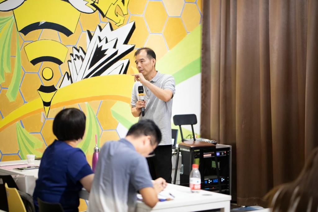 《中国孵化器》杂志主编、上海市众创空间联盟理事长范伟军_1.jpg