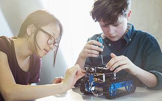 千亿市场的背后,儿童机器人能成为孩子们的伙伴吗?