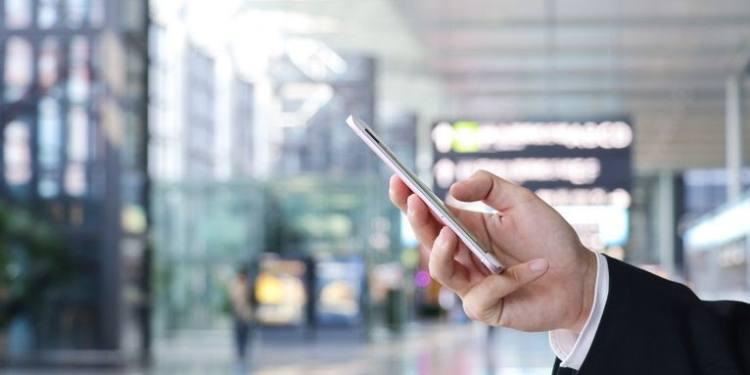 2020年,手機拼什么?
