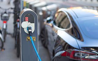 中汽协:2019年新能源汽车销量同比下降4%,十年来首次负增长 | 钛快讯