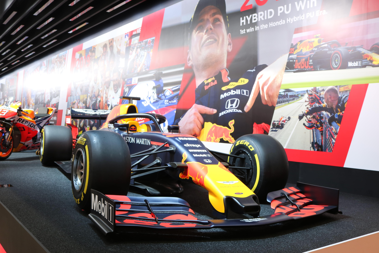 搭载本田动力单元的红牛F1赛车