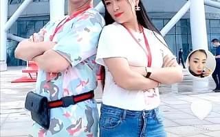 海外空姐玲儿现身首届直播节,连续直播6小时推荐广州好物