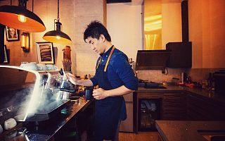 从香港到内地 从咖啡师到创业家 他洞察到了咖啡的新场景新需求