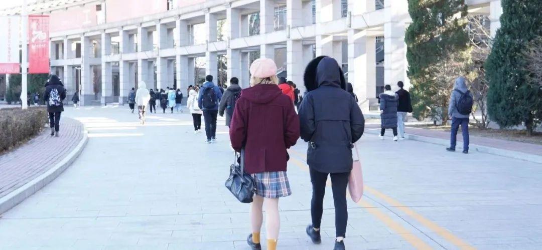 JK制服破圈被中国女生穿出200亿市场