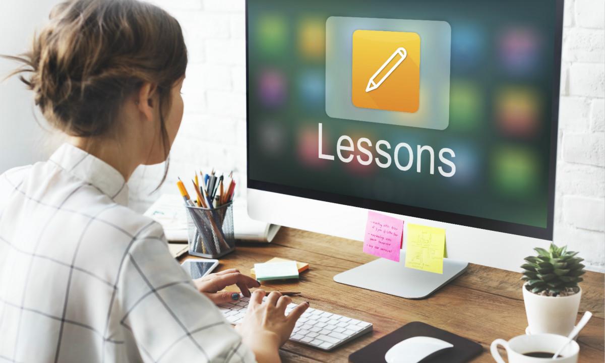 网络教育到底有多火?眼睛检查;2020年前十个月 中国新增在线教育企业8.2万家
