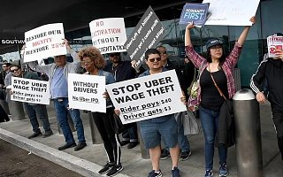 加州对共享经济说不:Uber与Lyft停业抗议