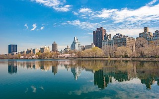 时代中国控股上半年收入降6.4% 城市更新收入为零