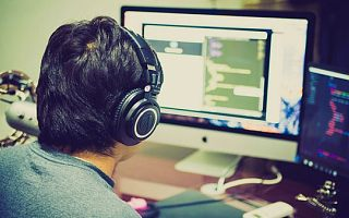 哪些人适合学习广州Web前端开发培训课程?