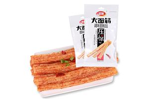 """卫龙辣条要上市,它是怎么从""""垃圾食品""""到超级品牌的?"""