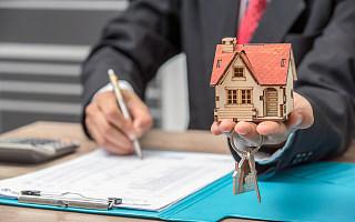 谁该为长租公寓暴雷买单?