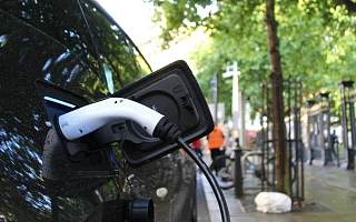 """14万亿市值的新能源汽车,在资本市场""""放飞自我"""""""