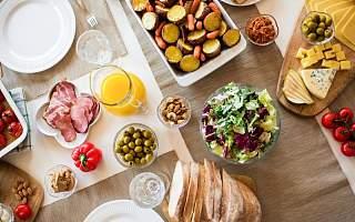 2020年食饮行业热点:一边翻超三倍  一边却在爆雷