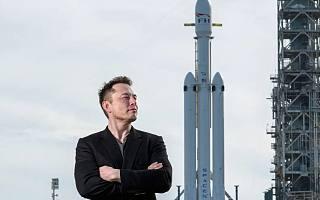 特斯拉狂降16万,飞船炸了一次又一次,这个单挑太空的男人到底多牛?