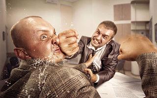 董事长锤伤总经理背后:华信信托股权关系盘根错节,激进扩张踩雷
