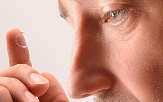 """10500个电极,新型视网膜植入物让盲人""""看""""得更清晰"""