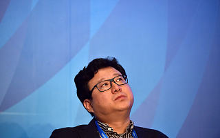 网易丁磊为新游炸服道歉;苹果CEO被列为「堡垒之夜」案件证人 | 游戏产业周报