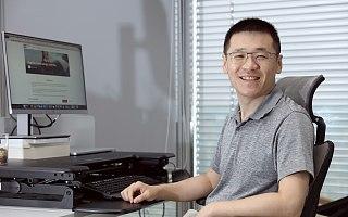 拼多多新任董事长陈磊:物质世界和数字世界的墙已不复存在 | CEO说