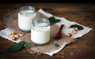 0糖、低脂、植物基......新老巨头鏖战3000亿酸奶市场