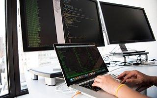 晶奇网络保荐人间接持股5.1% 项目组尽调时发现3问题被问询