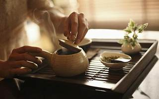 """""""一饼茶可以买一辆宝马"""",茶企去年增长大爆发"""