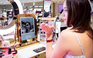 试得越多,买得越多,虚拟试妆正在为美妆集合店加分