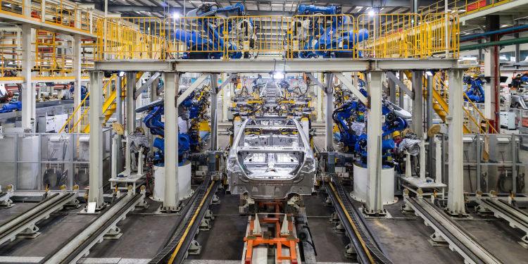 """年轻人不愿进工厂,制造业比重下滑过快,2022年中国将失去""""世界工厂""""地位?"""
