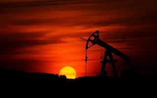 """争夺下一个""""石油"""",新造车背后的「隐秘战争」"""
