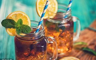 在奶茶店上赔惨了的年轻人,能靠柠檬茶翻身吗?