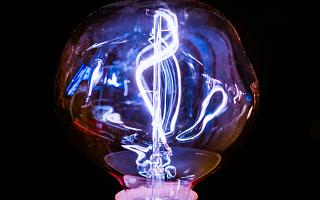 家族企业穗晶光电实控人认定被问询 核心技术人员来自竞争对手