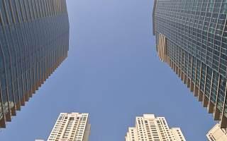 中国汇融独立非执行董事张化桥将退任 仍在多家公司任此职
