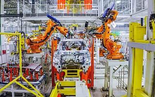 造车新势力向左 OEM厂商向右 车企代工未来怎么走?