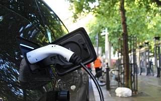 从整车销售到电池布局,传统车企集结反攻新能源
