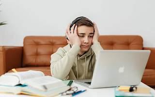 见知教育再冲IPO 营收增幅下滑依赖教育内容服务和其他服务