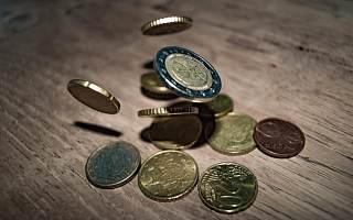 前海联合基金何杰辞职并离任4只基金 总规模近半年有所下降