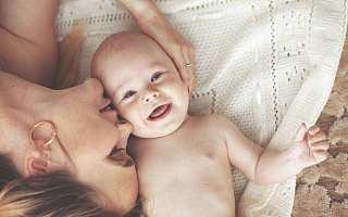 """透过""""三胎""""政策看母婴类APP的变与不变"""