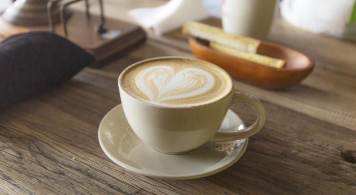 咖啡太热,现实易冷?